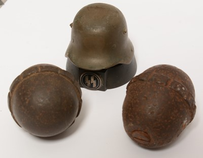 Lot 1040 - Collection of WWI and WWII German memorabilia