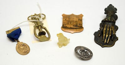 Lot 32 - Objects of Vertu including a Mauchline Ware badge and miniature carved agate dog.
