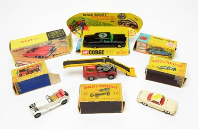 Lot 945 - Boxed and unboxed scale model diecast vehicles.