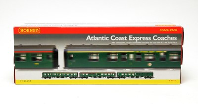 Lot 654 - A boxed Hornby R.4140 'Atlantic Coast Express Coaches' 00-gauge coach pack.