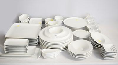 Lot 312 - Selection of Vista Alegre dinnerware