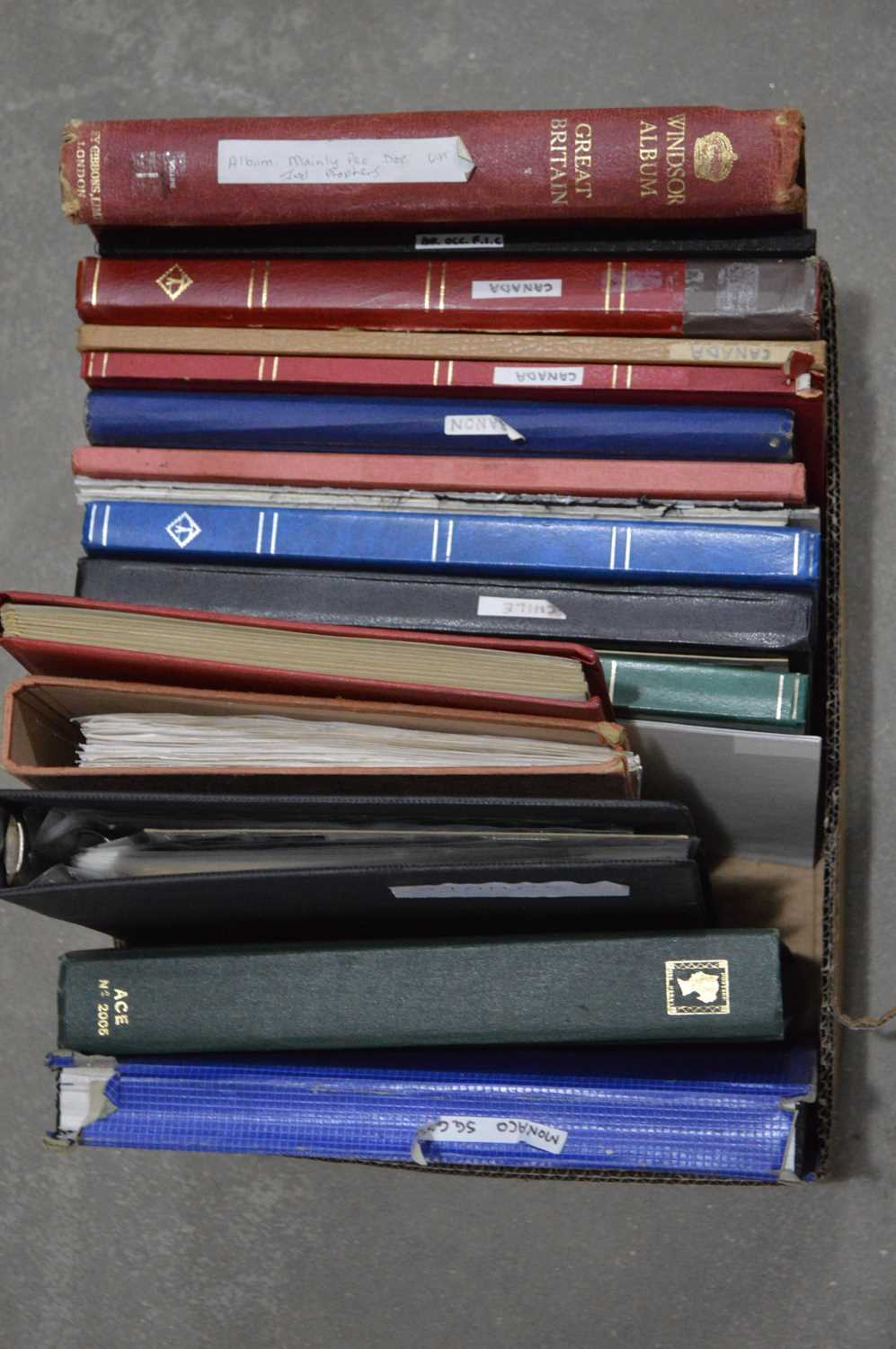 Lot 20 - Commonwealth and world stock books