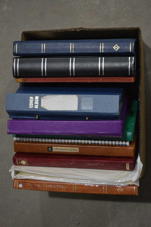 Lot 22 - World stock books