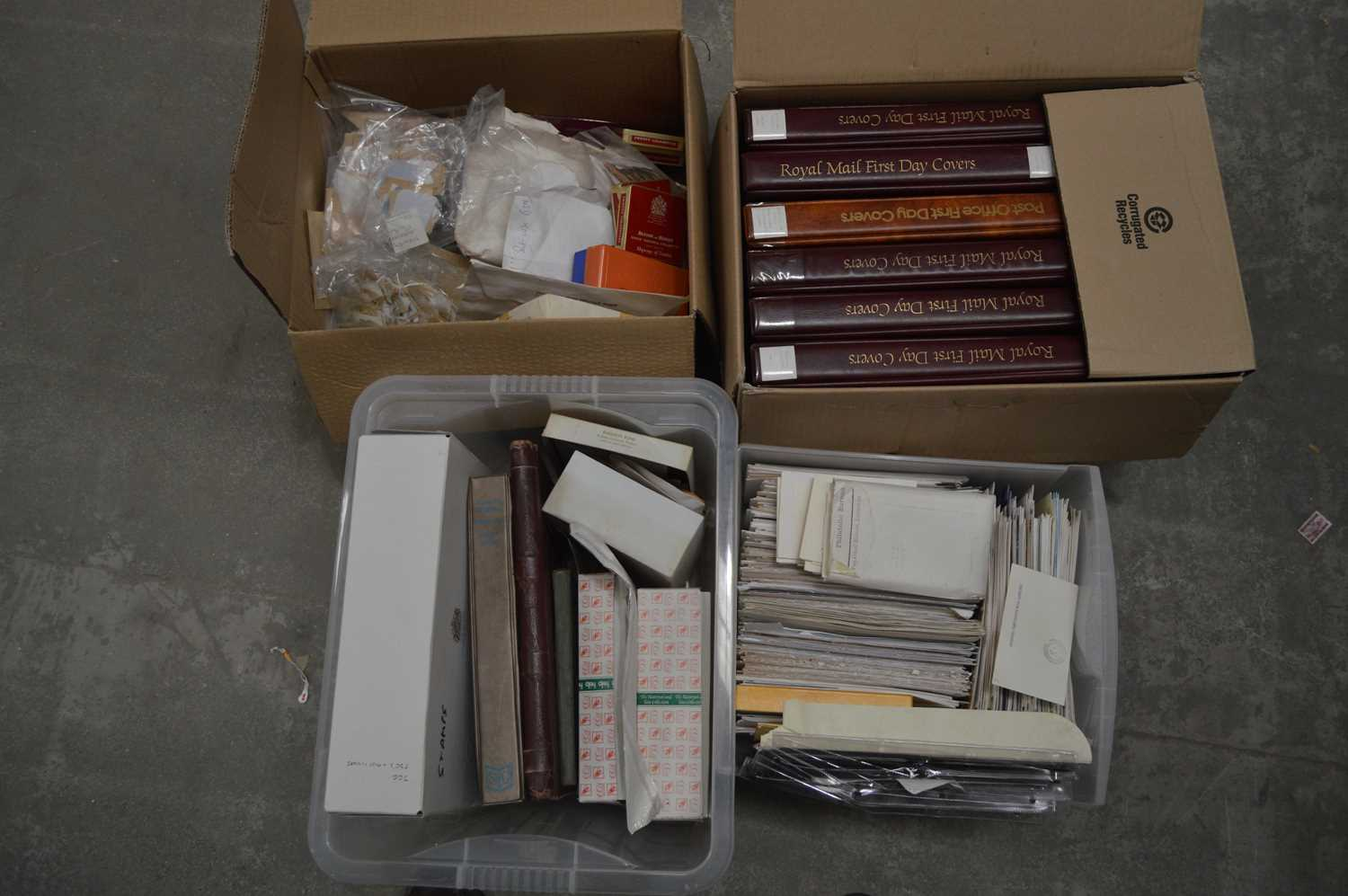 Lot 61 - A large quantity of first-day covers