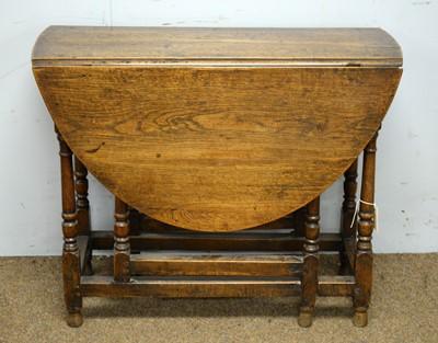 Lot 43 - Oak gateleg table.