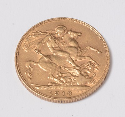 Lot 239 - A 1910 gold sovereign.