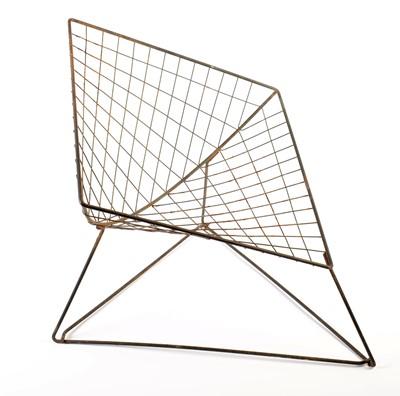 Lot 59 - Manner of Harry Bertoia: a wirework diamond pattern chair.