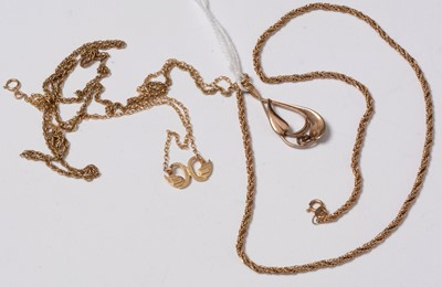 Lot 247 - 9ct gold and yellow metal necklaces and pendants.