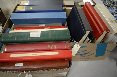 Lot 505 - A selection of stamp albums.