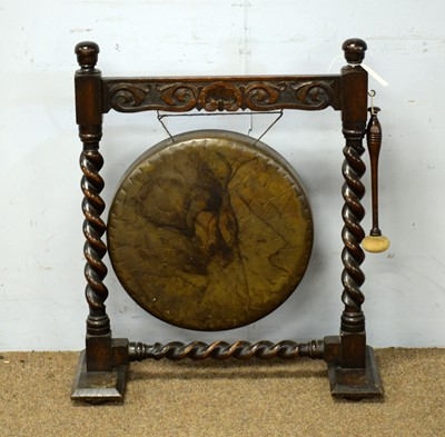 Lot 87 - An early 20th Century metal gong.