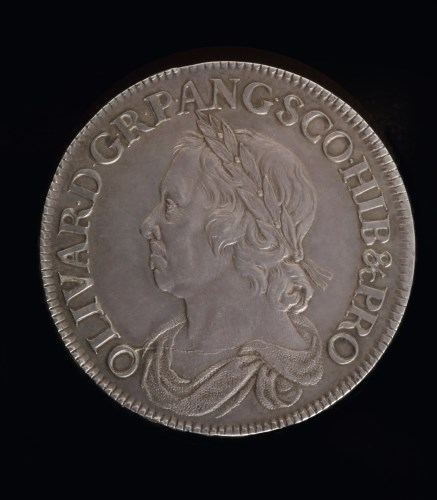 Lot 603-Oliver Cromwell Crown 1658/7, S.3226. Die flaw...