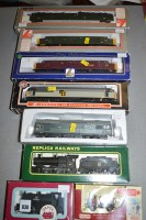 Lot 830 - 00 gauge Rolling Stock, to include: Lima,...