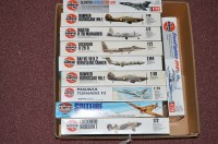 Lot 282 - Airfix model constructor kits: series 4, of...
