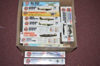 Lot 284 - Airfix model constructor kits: series 4, to...