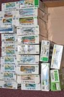 Lot 327 - Frog model constructor kits: green series,...