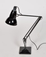 Lot 1022 Vasart: a glass table lamp
